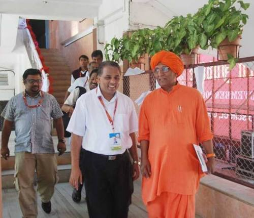 Fr Johnson with Swami Agnivesh at DB Institute of Management, 9 Nov 2013.