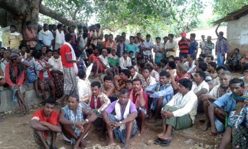 Villagers of Sirisguda at the Special Gram Sabha to ban the entry of non-Hindu religious missionaries.