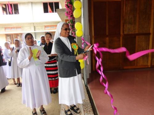 Provincial Sr. Elizabeth George Inaugurates Auxilium Hostel
