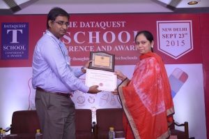 Ms Mumtaz Begum from DBU Global –  receives the award on behalf of ADBU.